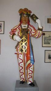 Die Originalfigur aus Holz in der Zunftstube der Narrenzunft Schömberg