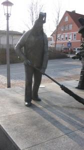 Der Schömberger Harzer als Bronzeskulptur