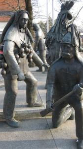 Der Schömberger Fuchswadel und Husar als Bronzeskulptur