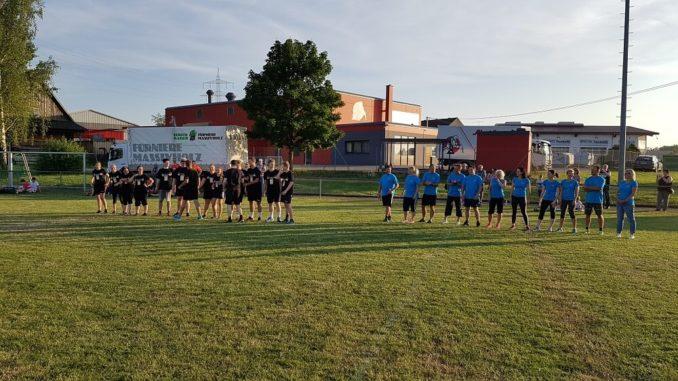 Prominentenspiel: 20er gegen 40er beim Handballturnier Schömberg 2017